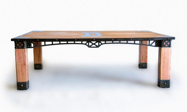 FLAGSTAFF TABLE