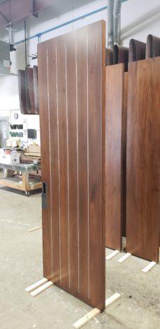 Pinstripe modern Door