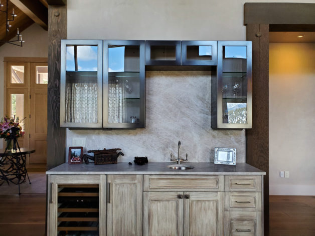 Eagle View Wet Bar Cabinets